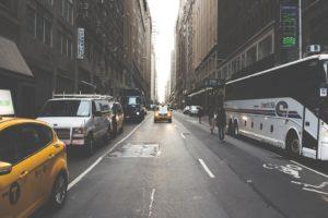 Les avantages et inconvénients de voyager avec une agence